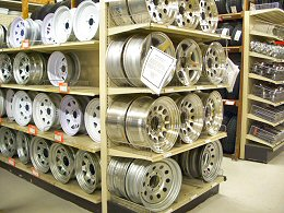 Trailer wheels in aluminum, painted steel & galvanized steel